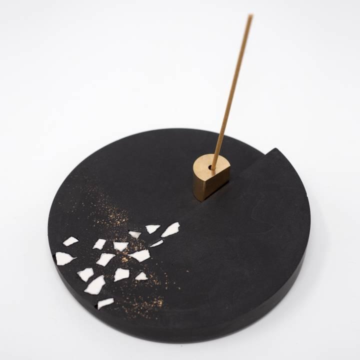 Image of Round Rankaku Incense Holder