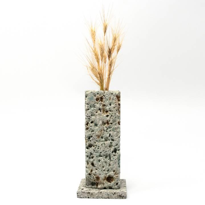 Image of Ōya Ishi Ichirinzashi Vase