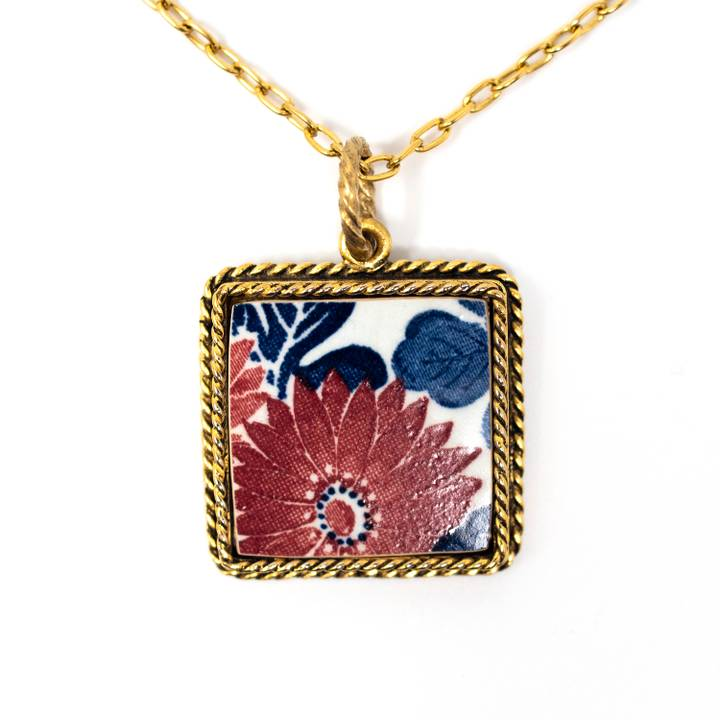 Image of Kiku Aki Gold Necklace