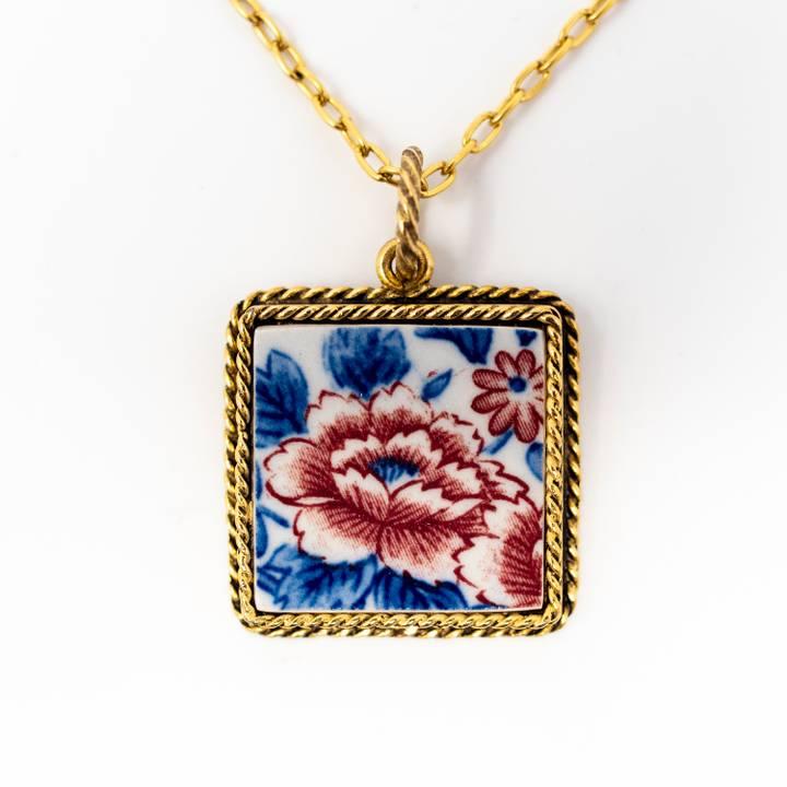 Image of Chrysanthemum Aki Gold Necklace