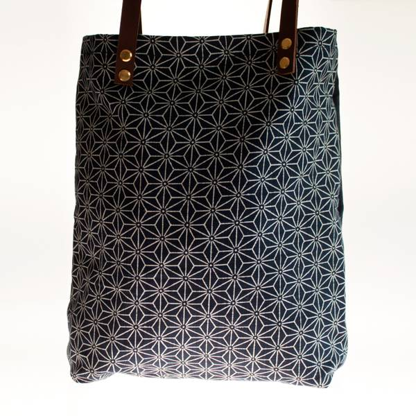Image of Graphic Japanese Tote Bag