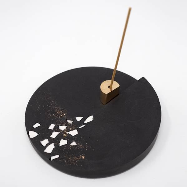 Image of Round Rankaku Incense Holder