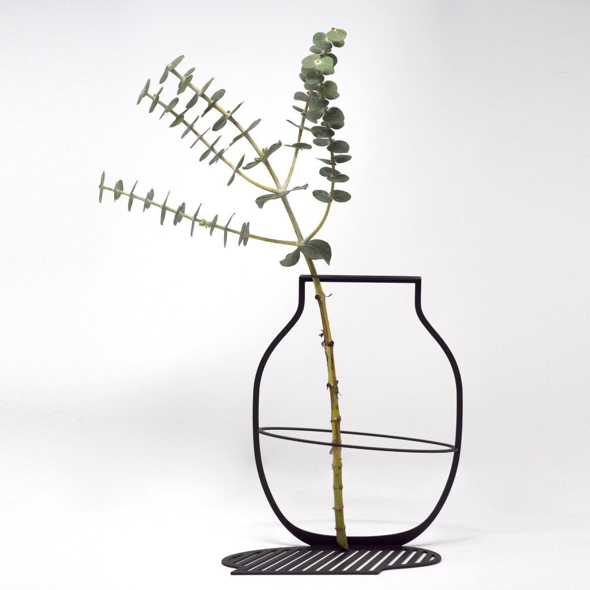 Photo of Outline Vase Large