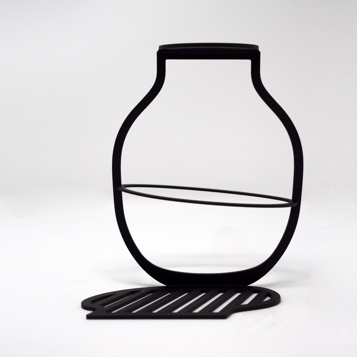 Photo of Outline Vase Small