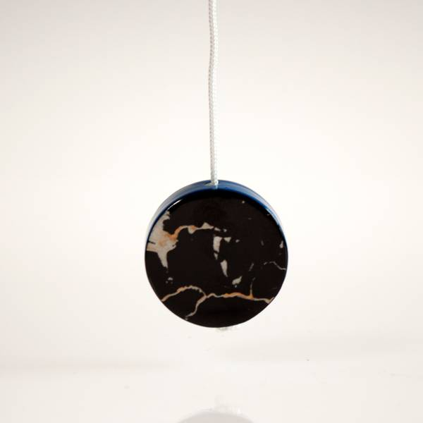 Image of Marble & Royal Blue Light Pull