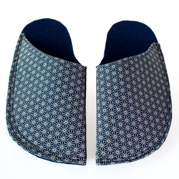Image of Graphic Japanese Bath Slippers